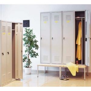 Szafy socjalne o modułach 400 mm z przegrodą wewnątrz szafy Sum